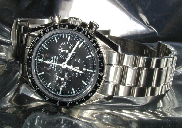 http://bruno.cracco.free.fr/montres/revues/omegaspeedmaster/img/ProfessionalMetal.jpg